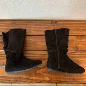 Size 11 Soft Black Boots